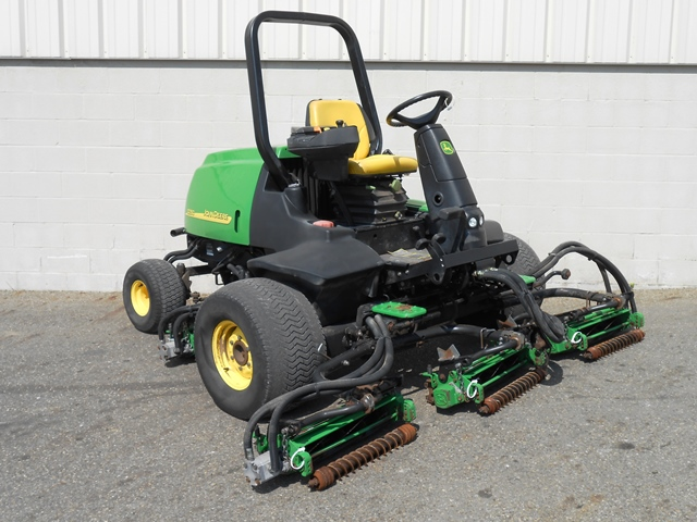 3424-2005-john-deere-3235c-fairway-mower-1414615418-jpg